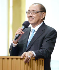 曹晉賢牧師 Rev. David Tjakra Wisaksana